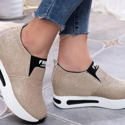 Women's Closed Toe Flat Heel Sneakers